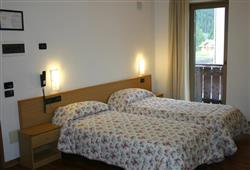 Hotel Orsa Maggiore - 5denní lyžařský balíček se skipasem a dopravou v ceně***1