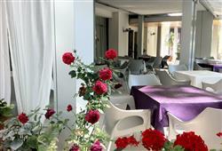 Hotel Nuova Riccione**6