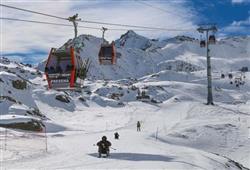 Hotel Locanda Locatori - 5denní lyžařský balíček se skipasem a dopravou v ceně***15