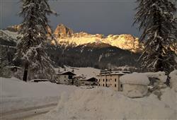 Hotel Scoiattolo - 5denní lyžařský balíček se skipasem a dopravou v ceně***14