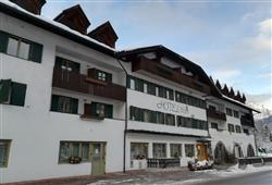 Hotel Orsa Maggiore - 5denní lyžařský balíček se skipasem a dopravou v ceně***2