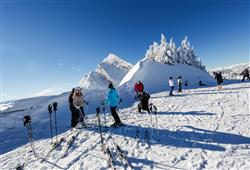 Hotel Augustus - 5denní lyžařský balíček se skipasem a dopravou v ceně***1