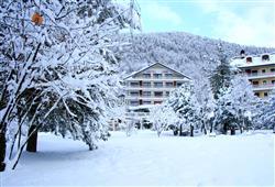 Hotel Urri - 6denní lyžařský balíček s denním přejezdem a skipasem v ceně***1