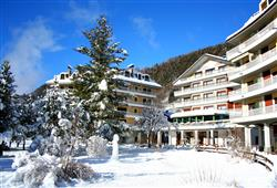 Hotel Urri - 6denní lyžařský balíček s denním přejezdem a skipasem v ceně***2