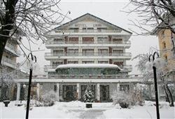 Hotel Urri - 6denní lyžařský balíček s denním přejezdem a skipasem v ceně***3