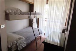 Hotel Urri - 6denní lyžařský balíček s denním přejezdem a skipasem v ceně***6