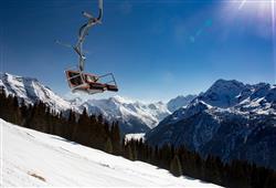 Hotel Urri - 6denní lyžařský balíček s denním přejezdem a skipasem v ceně***15