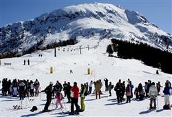 Hotel Urri - 6denní lyžařský balíček s denním přejezdem a skipasem v ceně***23