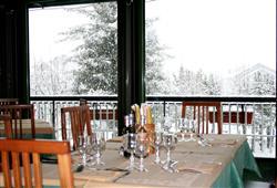 Hotel Urri - 5denní lyžařský balíček s denním přejezdem a skipasem v ceně***14