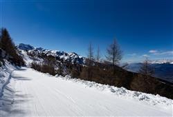 Hotel Urri - 5denní lyžařský balíček s denním přejezdem a skipasem v ceně***17