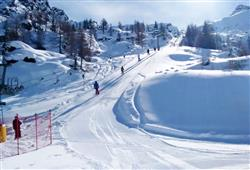 Hotel Urri - 5denní lyžařský balíček s denním přejezdem a skipasem v ceně***22