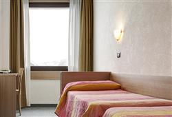 Hotel Girasole - 6denní lyžařský balíček se skipasem a dopravou v ceně***3