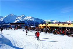 Hotel Girasole - 6denní lyžařský balíček se skipasem a dopravou v ceně***17