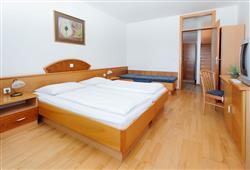 Hotel Brinje - zimní zájezd se skipasem v ceně***3