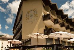 Hotel Deville - 5denní lyžařský balíček se skipasem a dopravou v ceně***1
