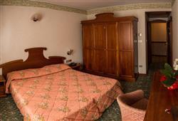 Hotel Deville - 5denní lyžařský balíček se skipasem a dopravou v ceně***5