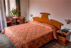 Hotel Deville - 5denní lyžařský balíček se skipasem a dopravou v ceně***6