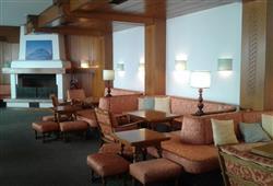Hotel Deville - 5denní lyžařský balíček se skipasem a dopravou v ceně***10