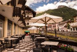 Hotel Deville - 5denní lyžařský balíček se skipasem a dopravou v ceně***12