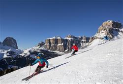 Hotel Deville - 5denní lyžařský balíček se skipasem a dopravou v ceně***17