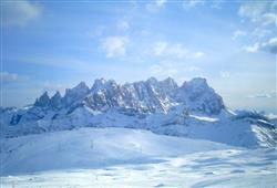 Hotel Deville - 5denní lyžařský balíček se skipasem a dopravou v ceně***30