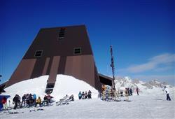 Hotel Deville - 5denní lyžařský balíček se skipasem a dopravou v ceně***34