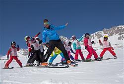 Hotel Deville - 5denní lyžařský balíček se skipasem a dopravou v ceně***42