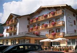 Hotel Canada****10