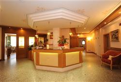 Hotel Canada****12