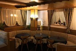Hotel Dal Bon - 5denní lyžařský balíček se skipasem a dopravou v ceně***9