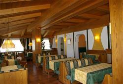 Hotel Dal Bon - 5denní lyžařský balíček se skipasem a dopravou v ceně***10