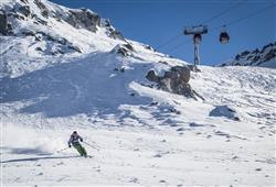 Hotel Locanda Locatori - 5denní lyžařský balíček se skipasem a dopravou v ceně***19