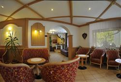 Hotel Piancastello - 5denní lyžařský balíček se skipasem a dopravou v ceně***10