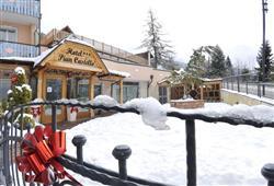 Hotel Piancastello - 5denní lyžařský balíček se skipasem a dopravou v ceně***12