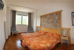 Hotel Piancastello - 5denní lyžařský balíček se skipasem a dopravou v ceně***2