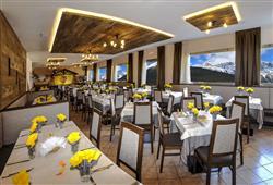 Hotel Piancastello - 5denní lyžařský balíček se skipasem a dopravou v ceně***7