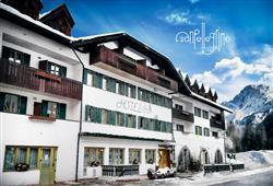 Hotel Orsa Maggiore - 5denní lyžařský balíček se skipasem a dopravou v ceně***0