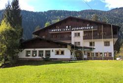 Hotel Scoiattolo - 6denní lyžařský balíček se skipasem a dopravou v ceně***2