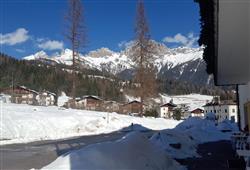 Hotel Scoiattolo - 6denní lyžařský balíček se skipasem a dopravou v ceně***3