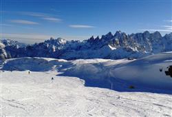 Hotel Scoiattolo - 6denní lyžařský balíček se skipasem a dopravou v ceně***23