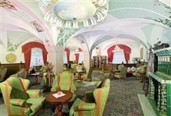 Hotel Schloss Dolomity****12