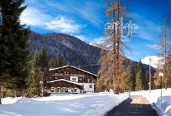 Hotel Scoiattolo - 5denní lyžařský balíček se skipasem a dopravou v ceně***0