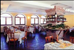 Hotel Locanda Locatori - 5denní lyžařský balíček se skipasem a dopravou v ceně***11