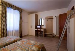 Hotel Locanda Locatori - 5denní lyžařský balíček se skipasem a dopravou v ceně***4