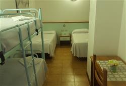 Hotel Stella Montis - 6denní lyžařský balíček s denním přejezdem a skipasem v ceně**6