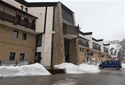 Hotel Stella Montis - 6denní lyžařský balíček s denním přejezdem a skipasem v ceně**2