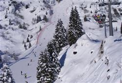 Hotel Stella Montis - 6denní lyžařský balíček s denním přejezdem a skipasem v ceně**26