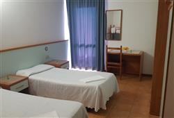 Hotel Stella Montis - 5denní lyžařský balíček s denním přejezdem a skipasem v ceně**3