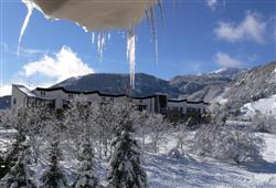 Hotel Stella Montis - 5denní lyžařský balíček s denním přejezdem a skipasem v ceně**0