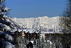 Hotel Stella Montis - 5denní lyžařský balíček s denním přejezdem a skipasem v ceně**17